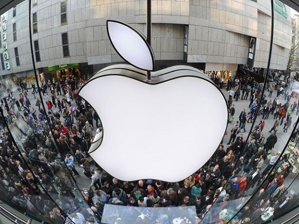 Despite Apple's Stock Woes and Competition, Apple's Share Continues to Grow
