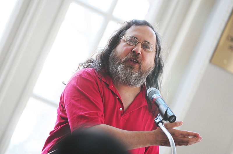 "Richard Stallman Slams Ubuntu Over Amazon Integration, Calls It ""Spyware"""