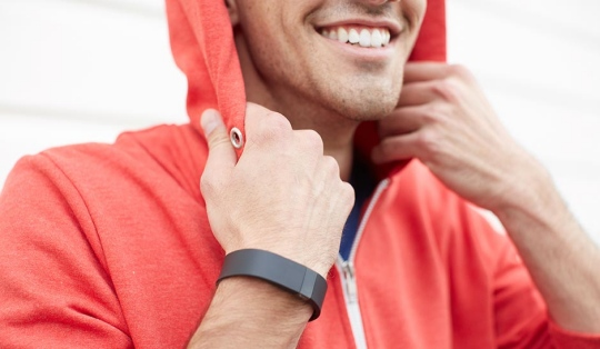 Fitness Band Wars: Nike FuelBand SE vs Fitbit Force vs Jawbone Up