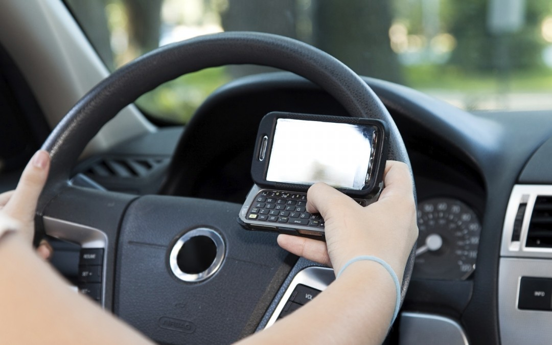 Tech to keep texting teen drivers from crashing