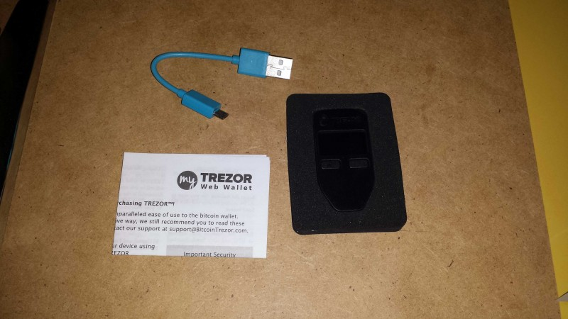 trezor-unpacked-components