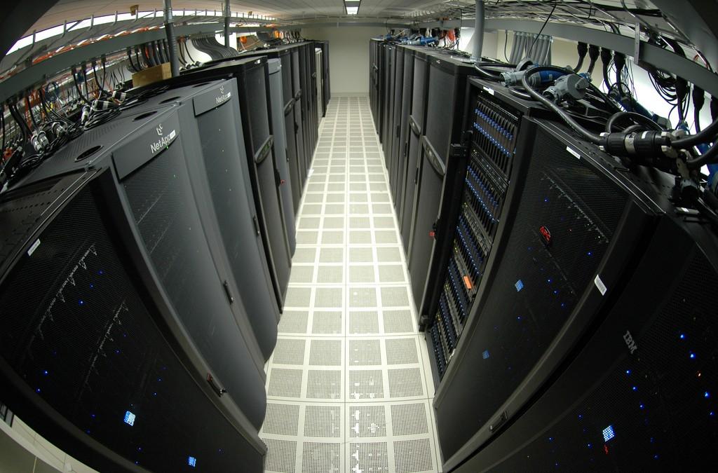 Enterprise server market beats the odds to grow 6.1 percent