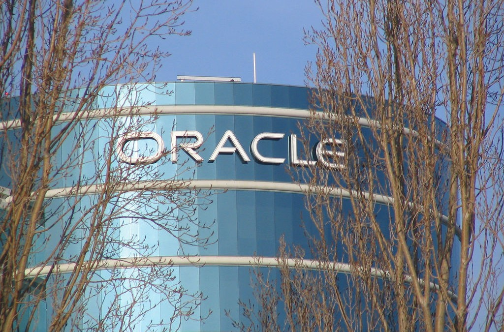 Oracle accelerates analytics applications with new API and developer kit