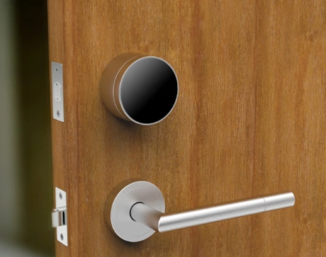 touch nfc doors world locks life screen real lock s yale door unveils