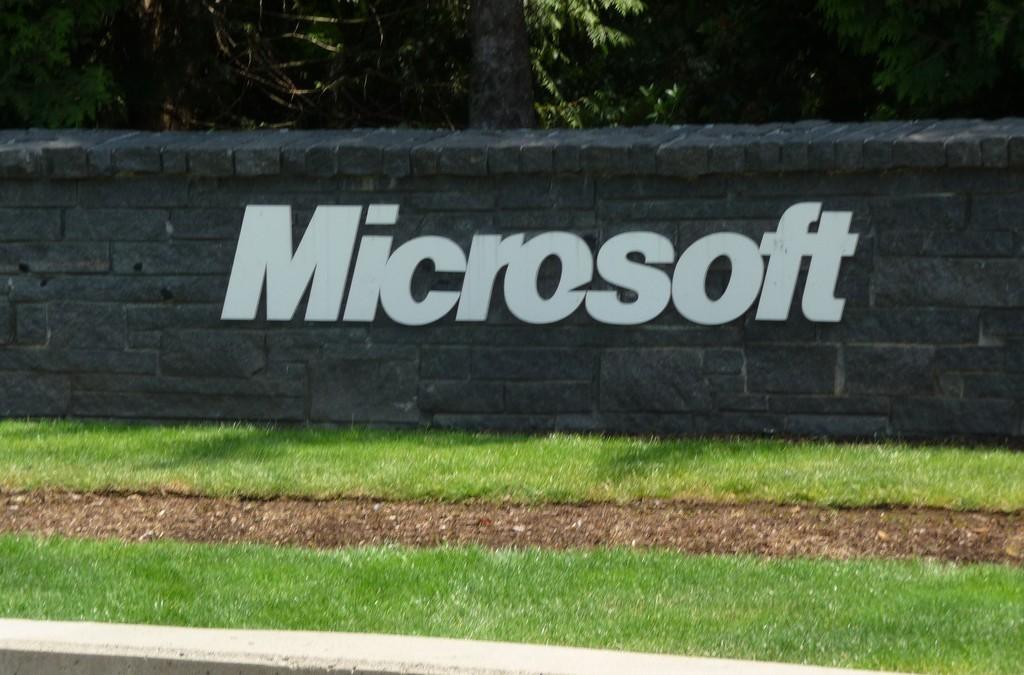 Microsoft May Win OS War Despite Low Windows 10 Adoption Rate