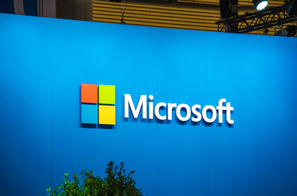 Microsoft gives away free Windows Server licenses to VMware customers who'll switch to Hyper-V