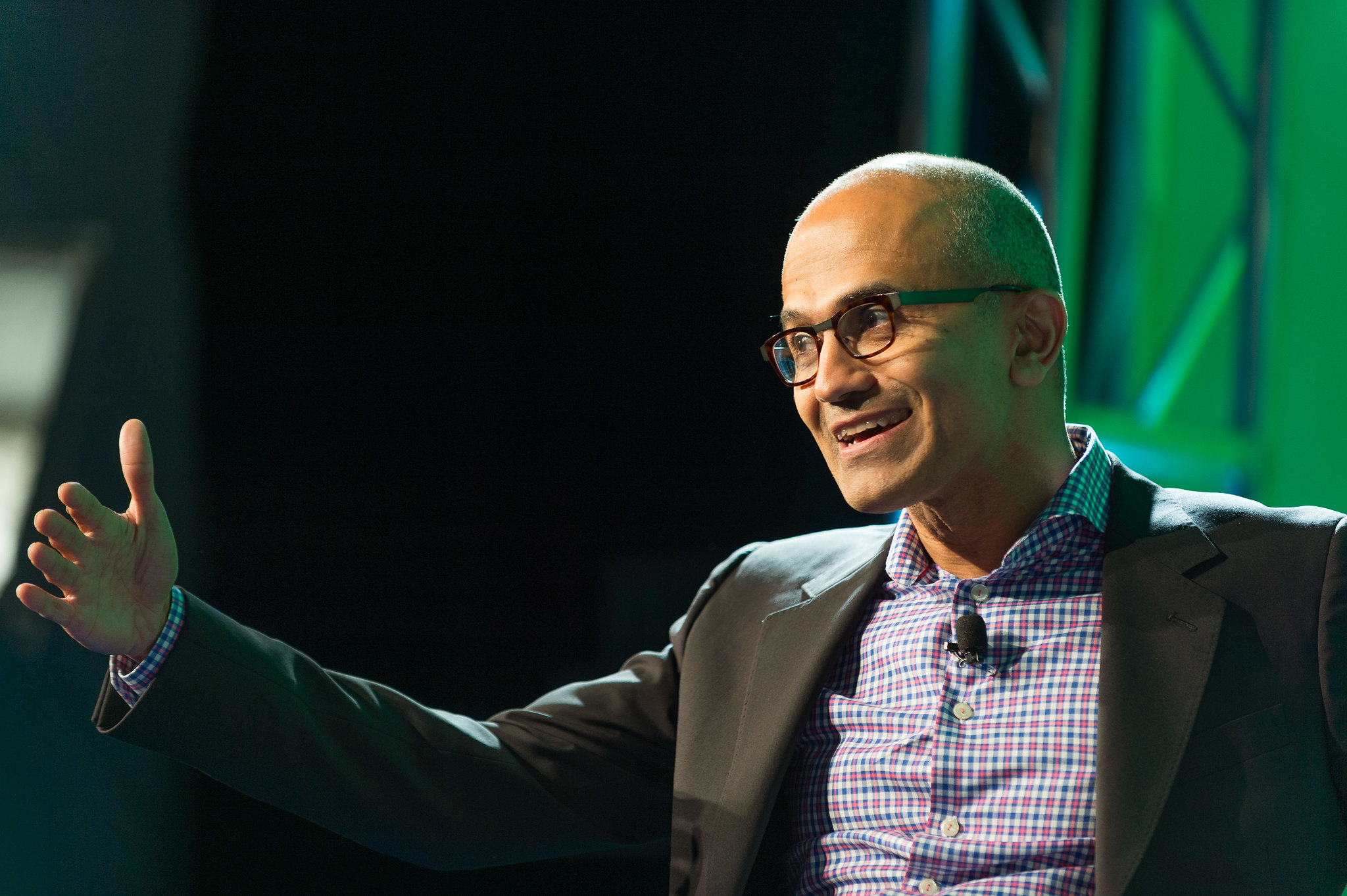 Strong cloud growth helps boost Microsoft's market cap over